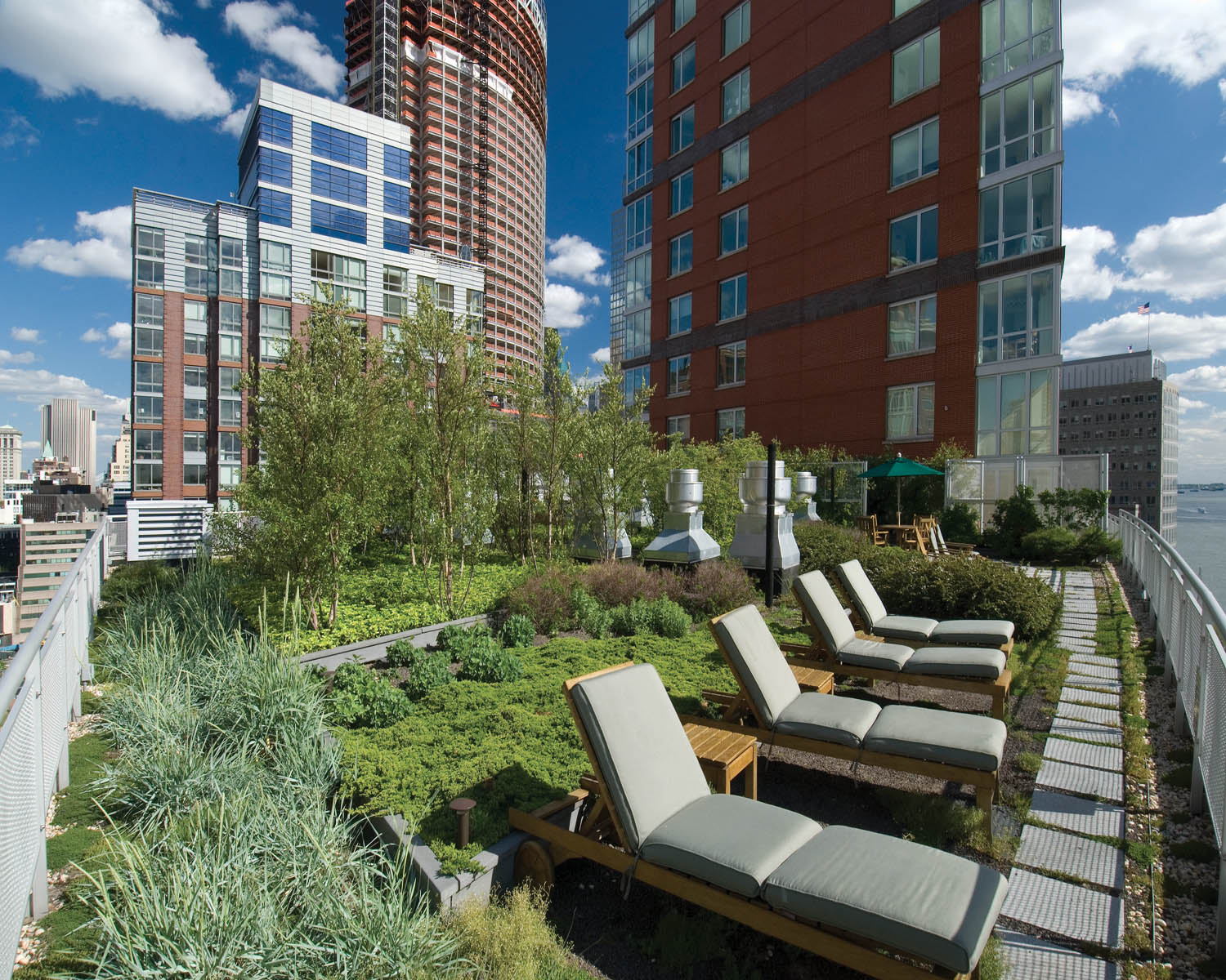 The solaire 20 river terrace american hydrotech inc for 10 river terrace new york